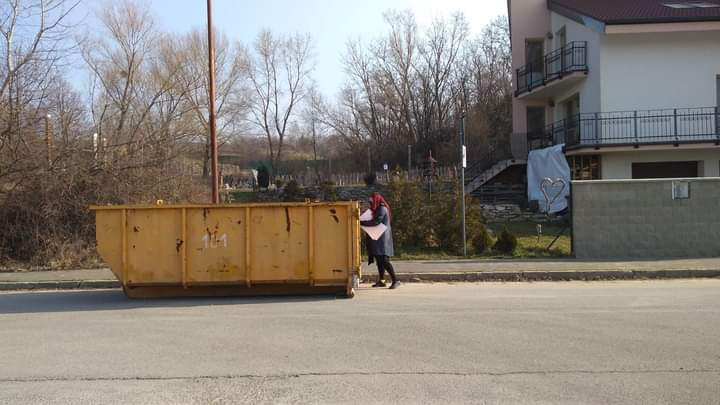 Veľkokapacitný kontajner na bioodpad bol z dôvodu rekonštrukcie ulice Pod Zečákom umiestnený k…Lamač – oficiálna stránka mestskej časti Bratislava – Lamačlamac.oficialna.stranka FB Posts