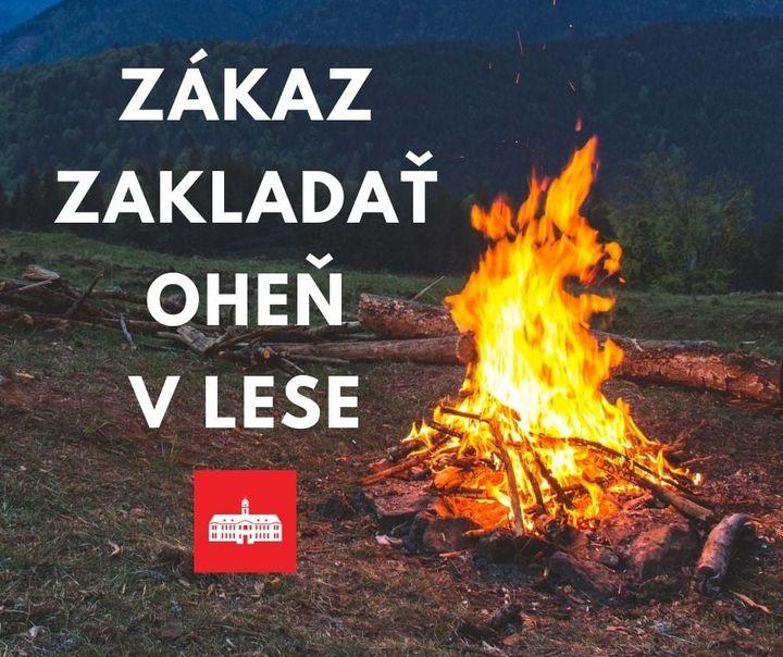 PLATÍ ZÁKAZ ZAKLADAŤ OHEŇ V LESE 🔥 📣 Hasiči až do odvolania vyhlásil na území Bratislavy – na lesných pozemkoch a v ich okolí (v…