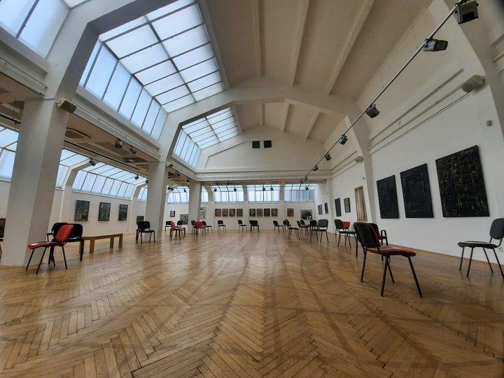 REMINDER! dnes o 16:00 komentovaná prehliadka výstavy Petra Rónaia – RESET, ktorou vás prevedie Rudo Sikora  Tešíme sa na vás