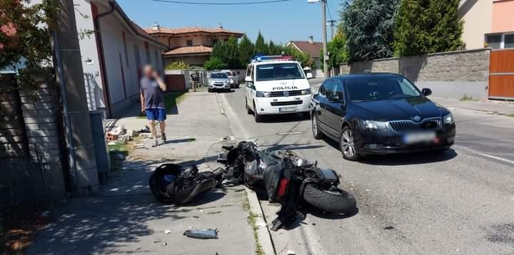 MOTORKÁR ŤAŽKO ZRANIL SÁM SEBA 🏍🤷♂️ ➡️Dopravní policajti boli v sobotu (19.06.2021) privolaní k…