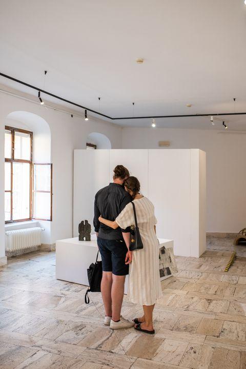 Naplánujte si príjemné stretnutie v GMB a možno nielen s umením. Cez víkend sme otvorení od 11:00 do 18:00, výstava Juraj Gavula…