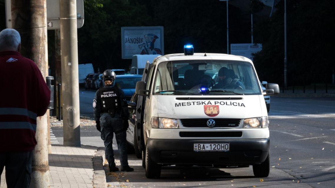 Zadržali sme muža, ktorý napadol policajta (zásahy hliadok 11. – 17.10.2021) – Mestská polícia Bratislava